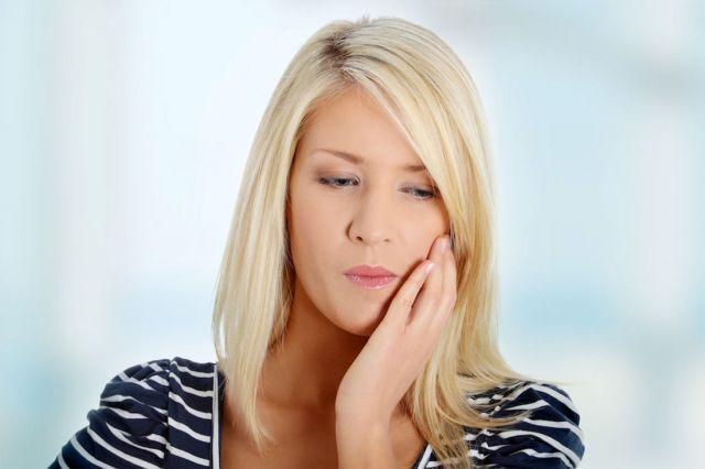 5 Façons d'éviter l'enflure après avoir fait enlever ses dents de sagesse